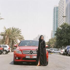 Künstlerin .....(Doris Erhardt fragen) an der Corniche, mit ihrem Mercedes
