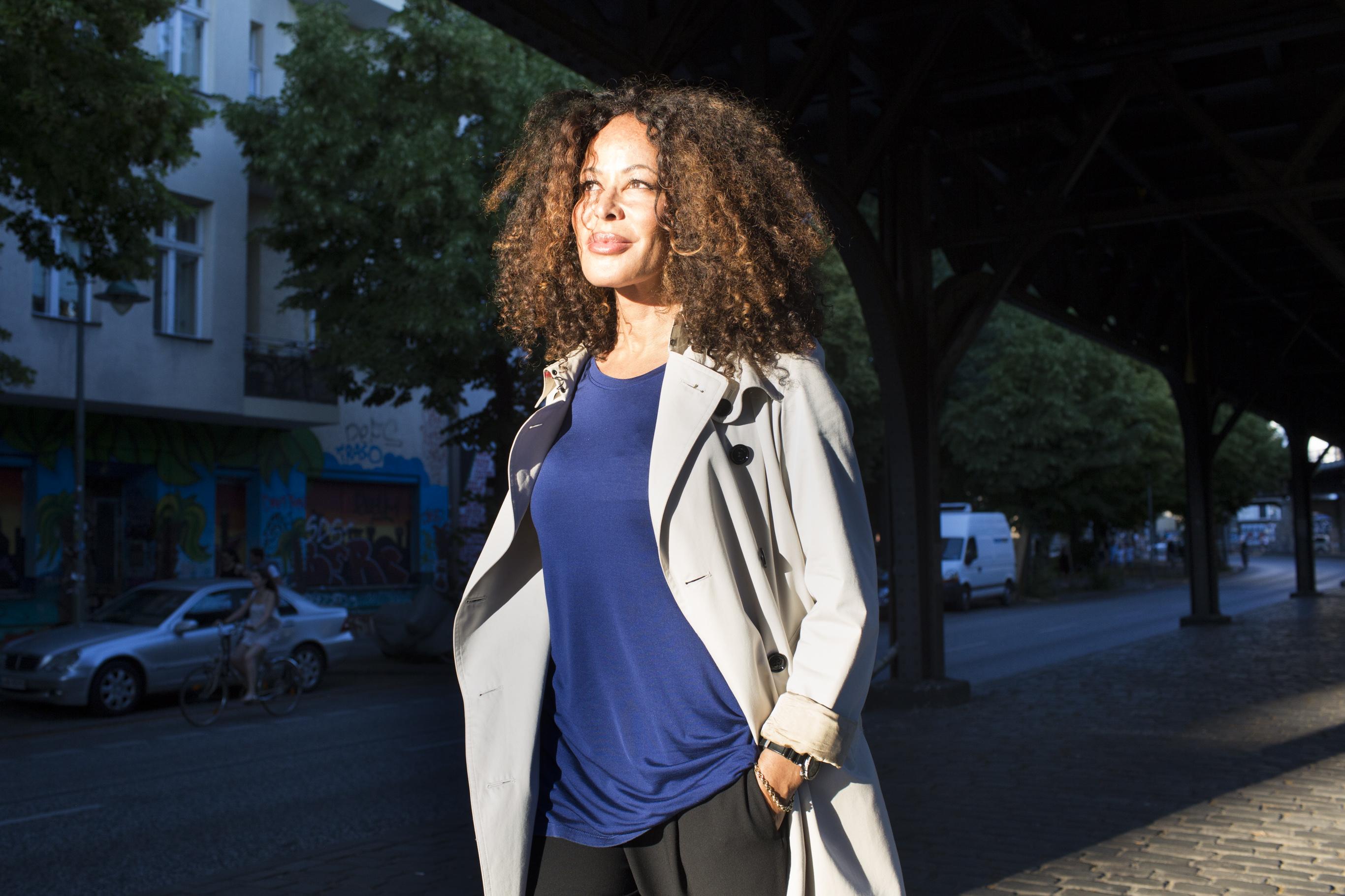 "Kathrine Kaaris, ""Flying Doctor. For LÒfficiell"