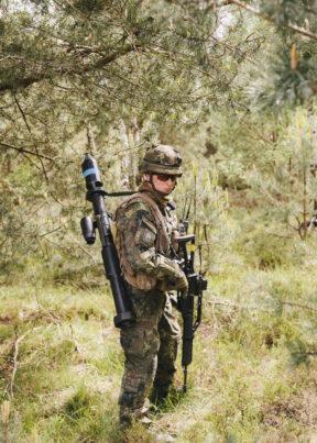 BundeswehrGefechtschießenMunsterSoldat mit Kampfausrüstung