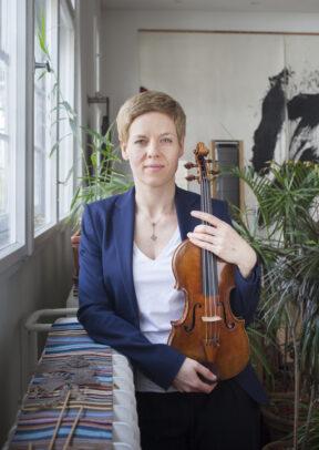 Isabelle Faust, Violinist. For Le Monde