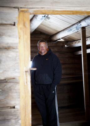 NorwegenFokstuguAuf dem HofGefangener Raimund beim Sprung
