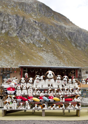 Wanderung über den GotthartSchweizAm Gotthart Souvenierstand